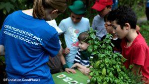 Activité « Loto des senteurs » pendant les GoodPlanet Junior ©Valeska Gräfenstein