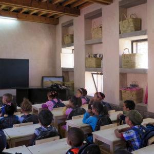 Elèves de l'école maternelle bioclimatique d'Aknaibich, au Maroc © Kristel Pelliet