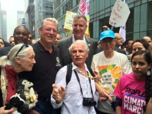 Jane Goodall, Al Gore, Bill de Blasio (maire de New York), Yann Arthus-Bertrand et Ban Ki-moon à la Marche pour le Climat de New York, 21 septembre 2014