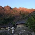 Village Kogis sous montagnes (c) Tchendukua