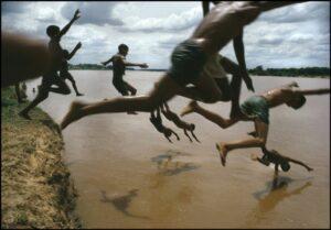 BRAZIL. Amazonas. Leticia. The Amazon river. 1966. (c) Bruno Barbey / Magnum Photos